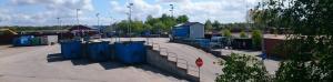 Fler blå containrar på Återvinningscentralen i Eslöv.